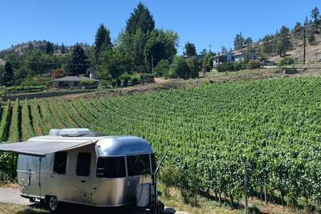 Airstream in the Vineyard - Fully Booked until Sept. 11 in Kaleden, British Columbia