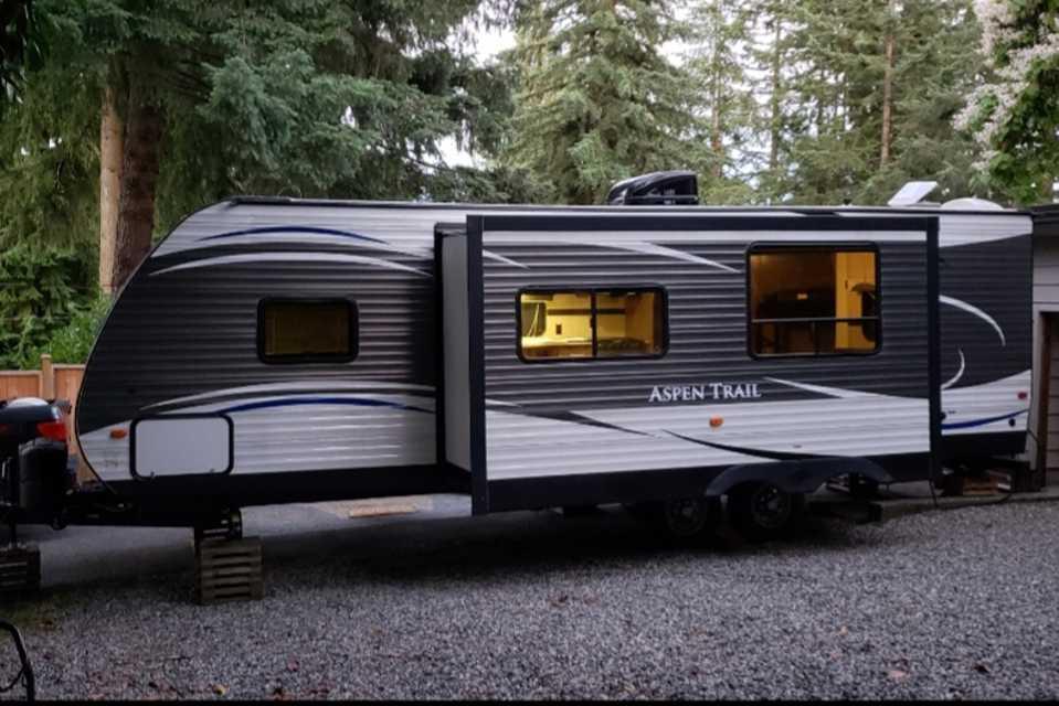 Aspen Trail - Bunk House !! in Victoria, British Columbia