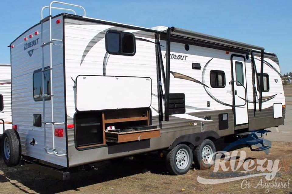 Heidi, she is half ton towable only 5500 lbs. Sleeps 8. in Strathcona-County, Alberta