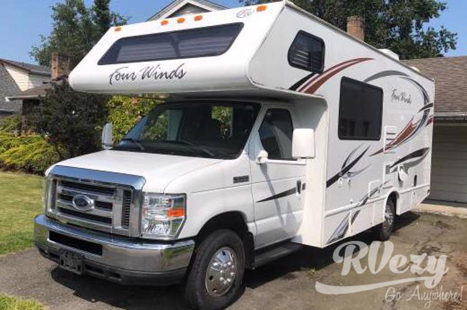-Low Mileage family friendly adventure ready motor home in Richmond, British Columbia