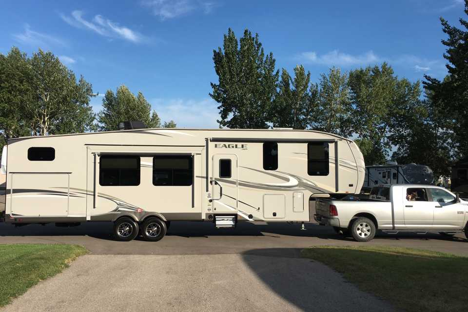 Jayco - 325BHQS in Airdrie, Alberta
