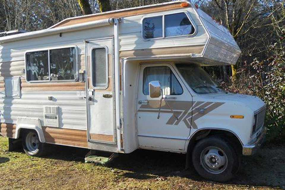 A STEP BACK IN TIME - Vintage Coachman Classic - RV 1979 in Duncan, British Columbia