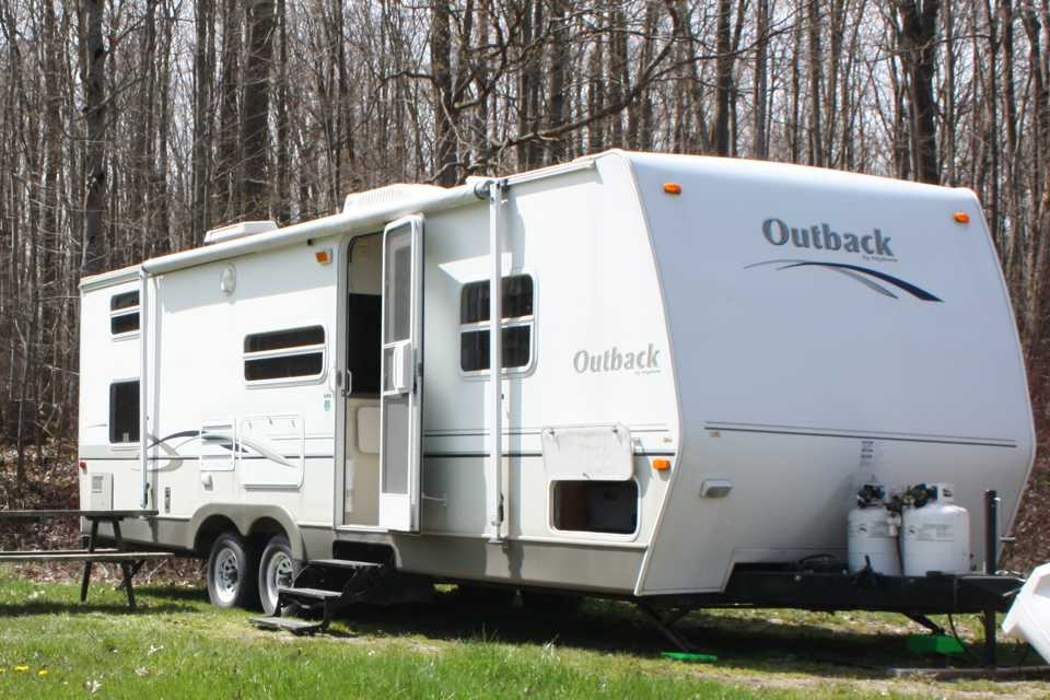 Light weight 30 foot Fully Equipped Travel Trailer in St-Catharines, Ontario