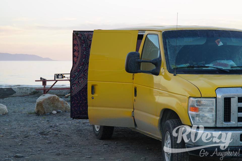 Fully converted & equipped van (former DHL) in Montreal, Quebec