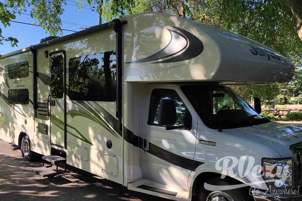 Fully equipped Jayco Greyhawk in Brockville, Ontario