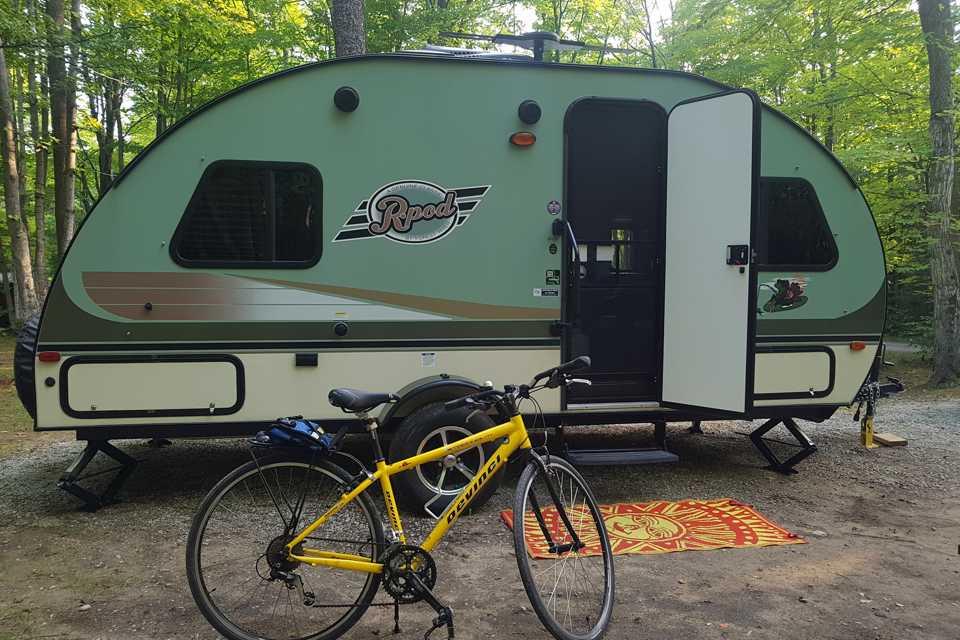 SUPER LIGHT RPOD TRAVEL TRAILER FOR RENT in Burlington, Ontario