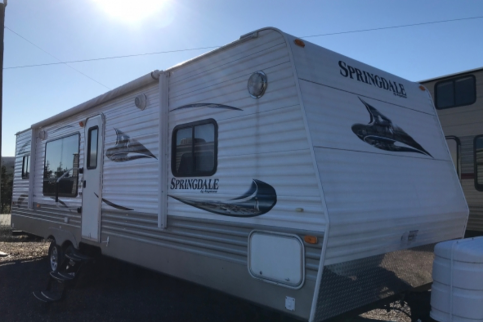 Great couples trailer in Pouch-Cove, Newfoundland and Labrador