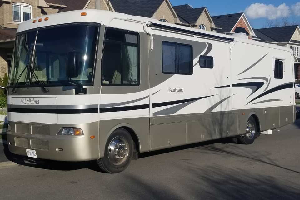 5* Luxury Motorhome in Courtice, Ontario