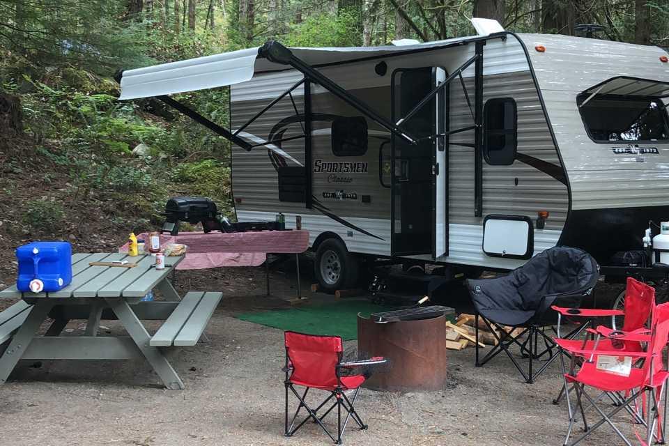 Ringland Family RV in Victoria, British Columbia