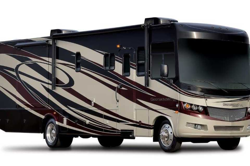 Beautiful 2016 Motorhome Sleeps 9 and has 2 FULL bathrooms!  Perfect for large families and friends! in Laval, Quebec