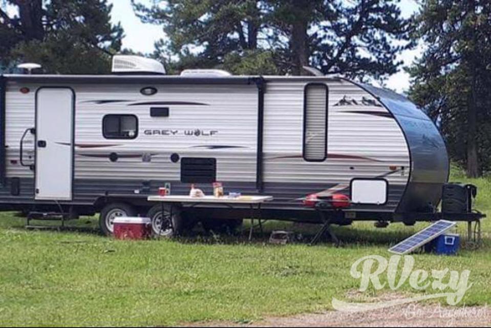 Versatile trailer  in Sylvan-Lake, Alberta