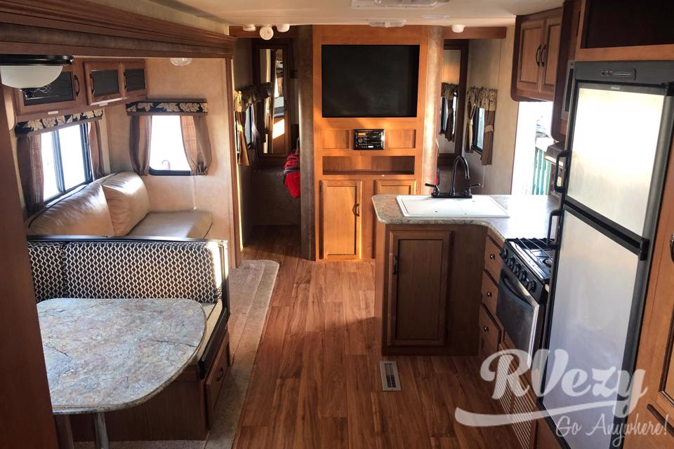 "Fully Stocked 29"" Trailer that sleeps 9!! in Edmonton, Alberta"