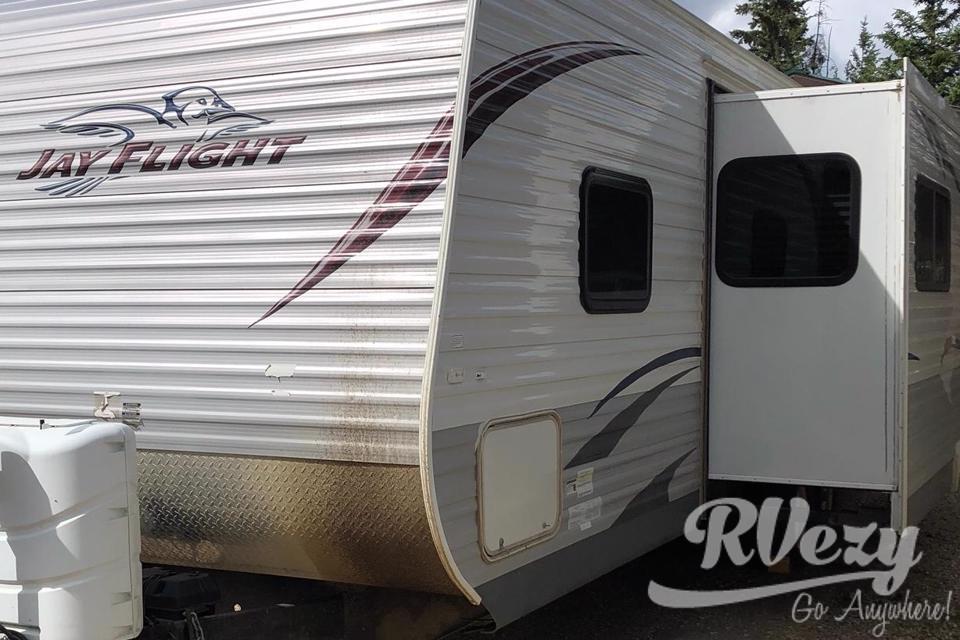 Boondock Rentals RV in Grande-Prairie, Alberta