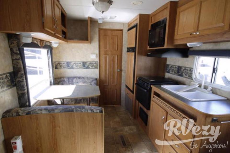 Affordable Jayco Jayflight, perfect for families and pets! in Vernon, British Columbia