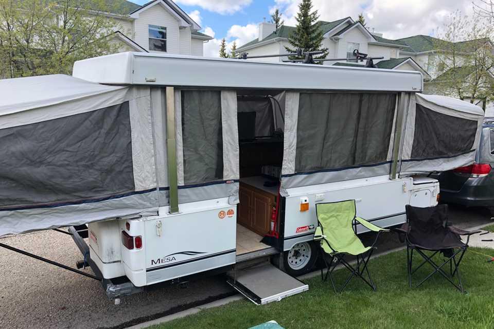 Roomy Pop Up Camper in Calgary, Alberta
