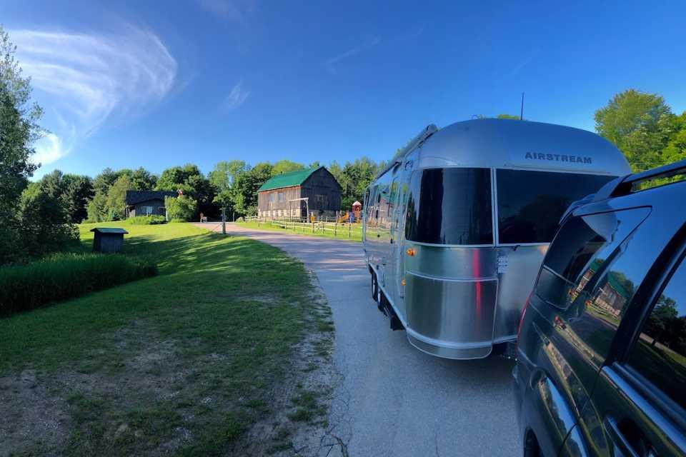 25' Ocean Breeze Airstream International ready for great Ontario adventures (Sleeps 5-6) in Toronto, Ontario