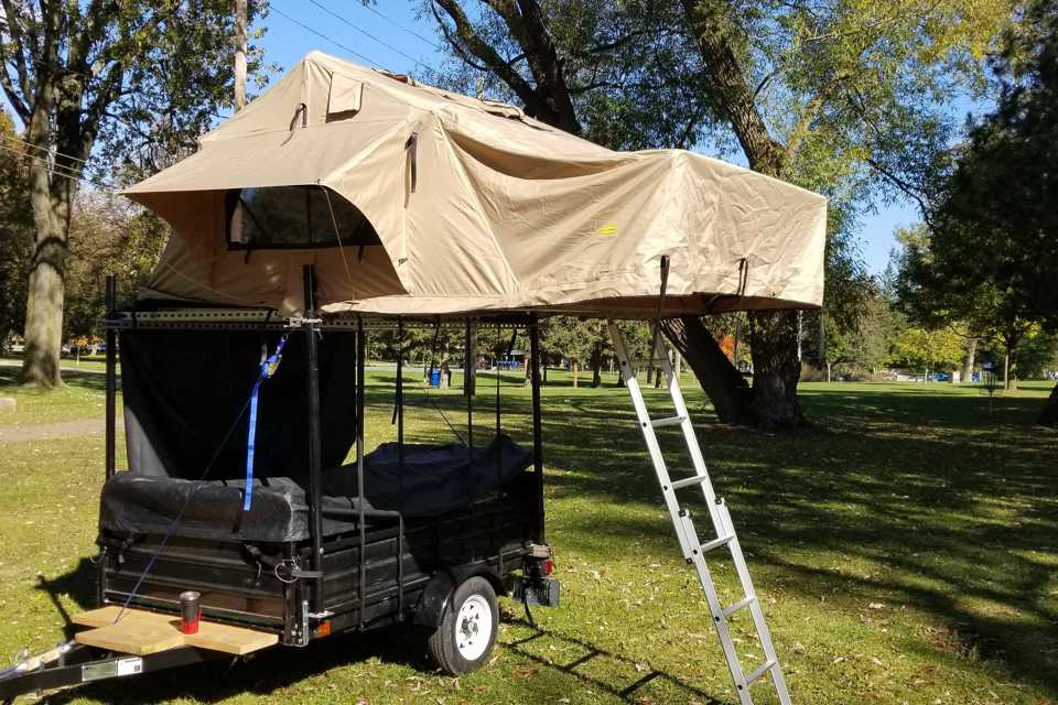 Roof Top Tent plus Utility Trailer in Toronto, Ontario