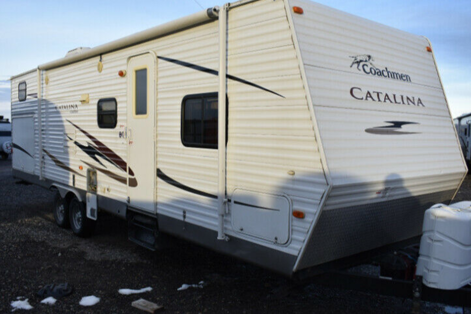 Catalina 30BHS - Triple Bunks!  in Airdrie, Alberta