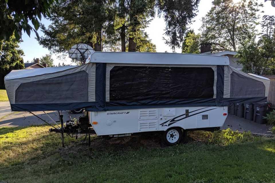 Comfortable Family Tent Trailer in Surrey, British Columbia