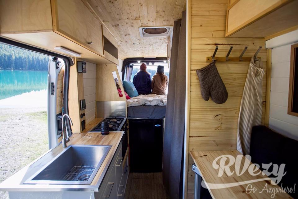 2017 Ford Transit Cozy Home On Wheels in Winnipeg, Manitoba