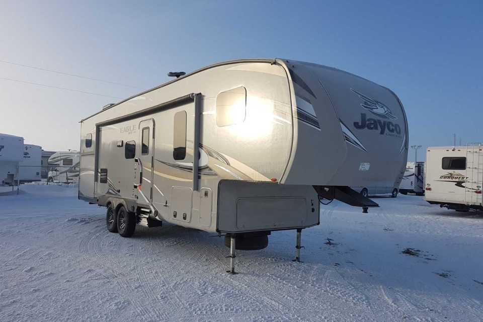 Jayco bunk house (quad bunks) 5th wheel in Bezanson, Alberta
