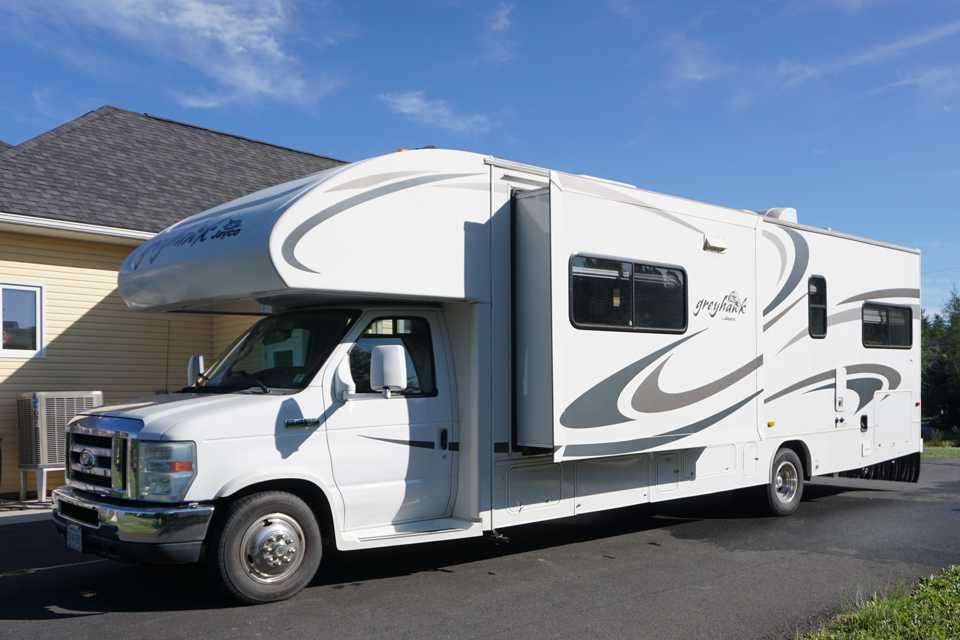 Loaded 32' Class C Motorhome - this has everything you need for your next vacation! in Fall-River, Nova Scotia
