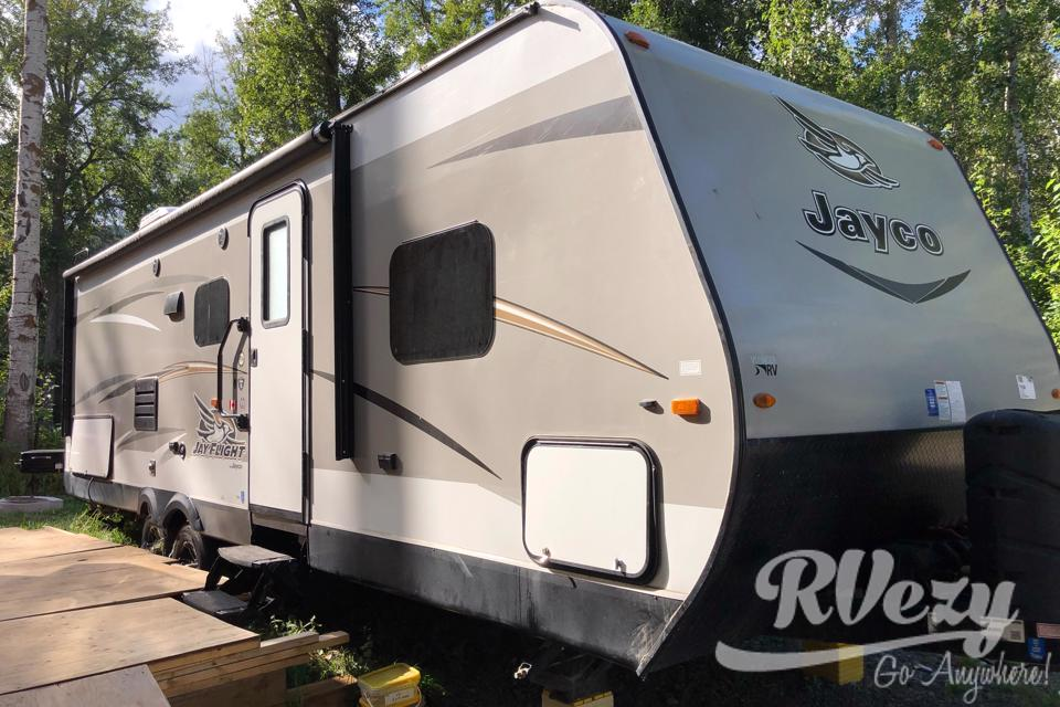 Camping can't be beat with the Jayco ELITE!! in Kelowna, British Columbia